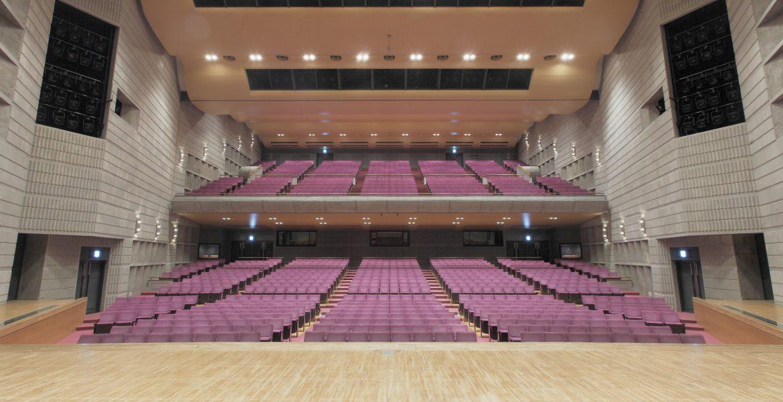 大ホール写真(舞台から)